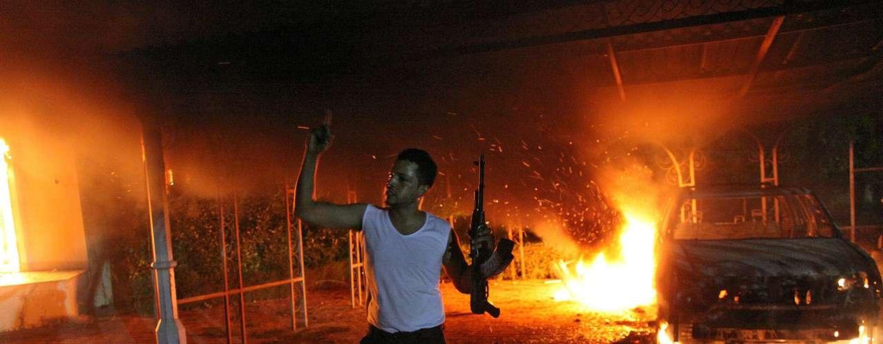 El asalto mortal comenzó tras una protesta frente a la sede del consulado por un video realizado en Estados Unidos y que supuestamente ofendía al profeta Mahoma.