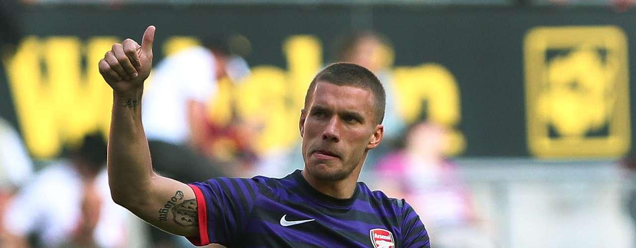 Los aficionados del Arsenal están acostumbrado a la variedad de colores de los uniformes. Aparte de la tradicional camiseta roja, las alternativas son la azul y negra (foto) y la amarilla.