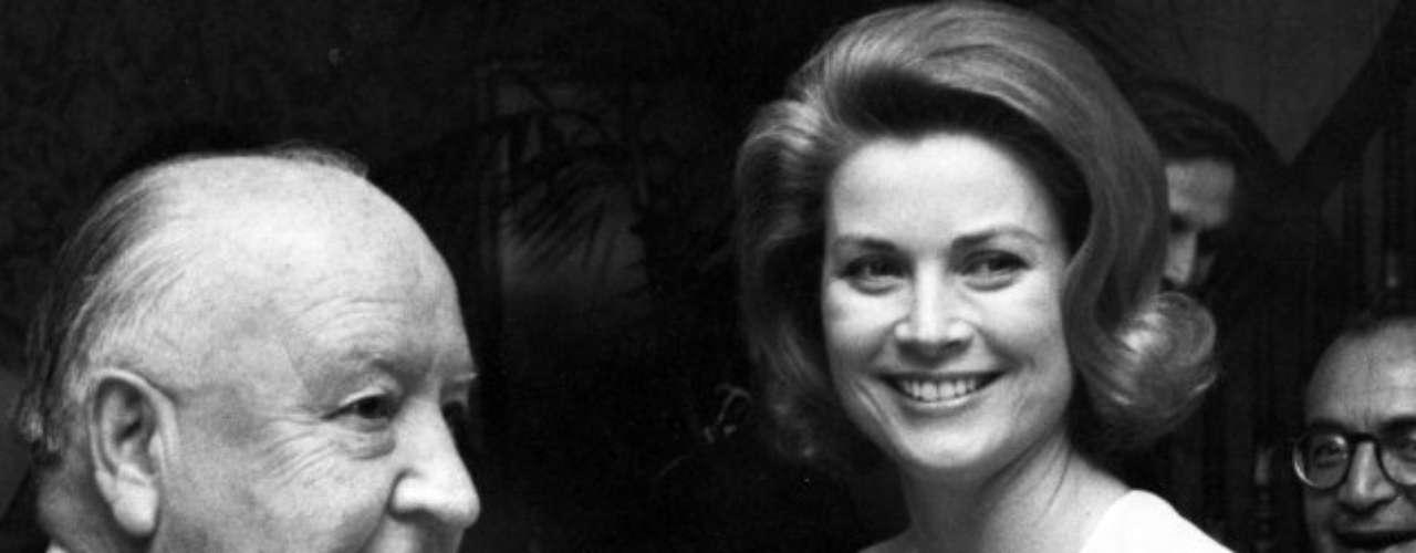 En la década de los sesenta, Hitchcock trató que Grace Kelly fuese la protagonista de Marnie, la ladrona, papel que rechazó en beneficio de Tippi Hedren, otra de las rubias predilectas por el cineasta. Herbert Ross también le propuso trabajar en Paso decisivo, oferta que también declinó.