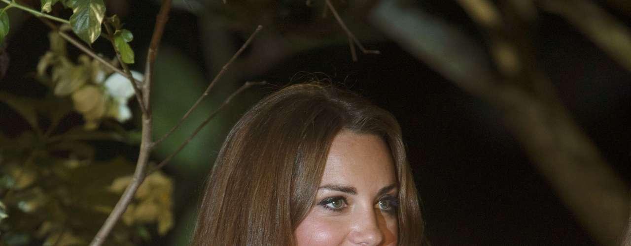 Kate Middleton vuelve a las portadas de la prensa internacional. En este caso, con unas imágenes en las que muestra, en un descuido, parte de su pecho.