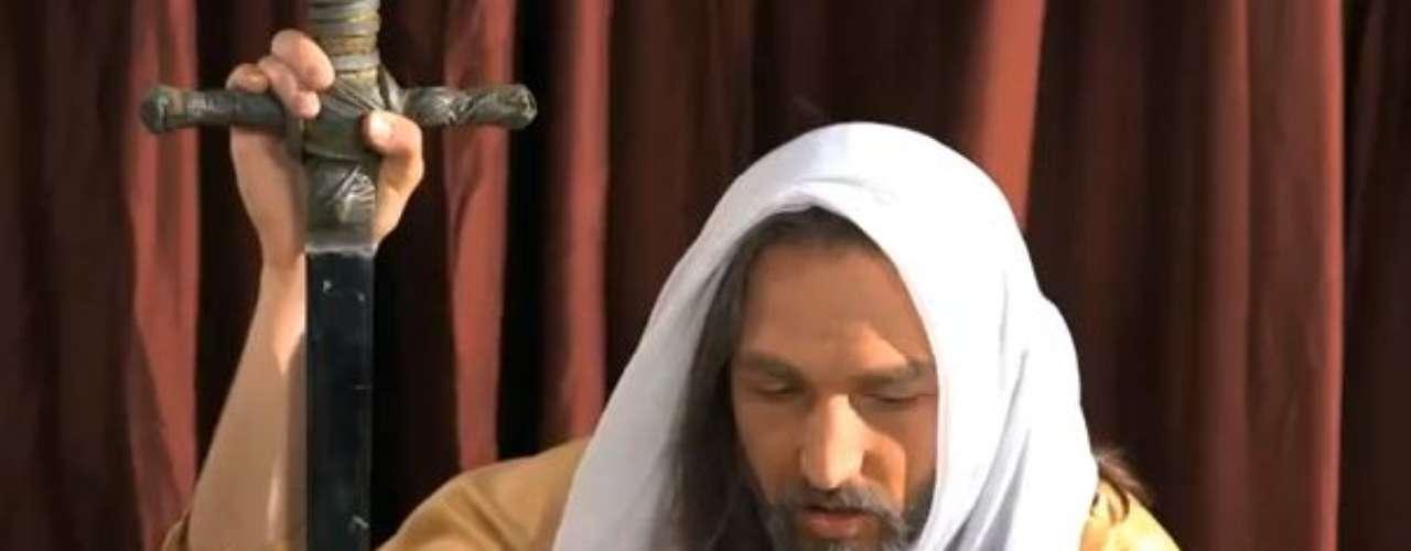 Jones, quién encolerizó a muchos musulmanes al quemar en 2010 una copia del Corán, calificó la cinta como una película\