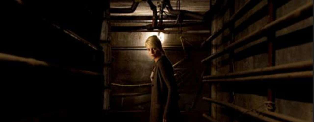 'El Orfanato'. No es la primera vez que Hollywood se interesa por reescribir un éxito del terror patrio (ya sucedió con REC). La reticencia del público americano a ver películas con subtítulos es notoria, hecho que, sumado a la nula voluntad de riesgo del Hollywood actual, convierte las películas extranjeras de éxito en carne de cañón para el remake. En esta ocasión, ya se rumorea que podría ser Amy Adams la encargada de encarnar la versión americana del personaje de Belén Rueda.