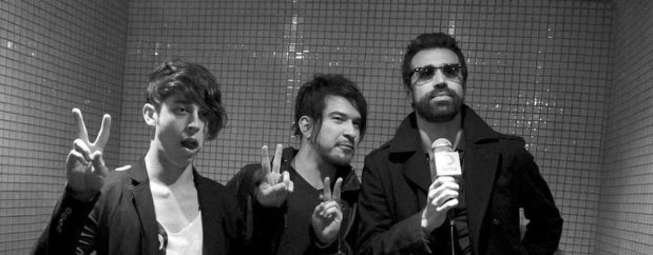 Existe una versión de 'Empty glass' en español, pero a nadie de la banda le gustó.
