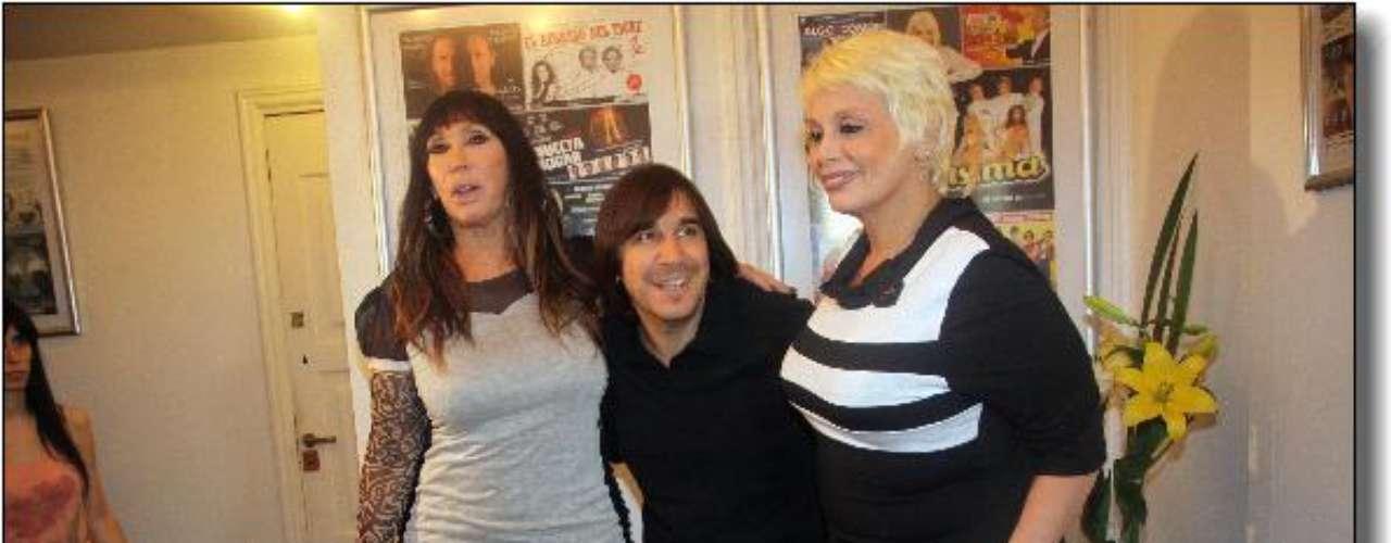 Las divas Moria Casan y Carmen Barbieri firmaron ayer el contrato para realizar en la temporada 2013 la obra \