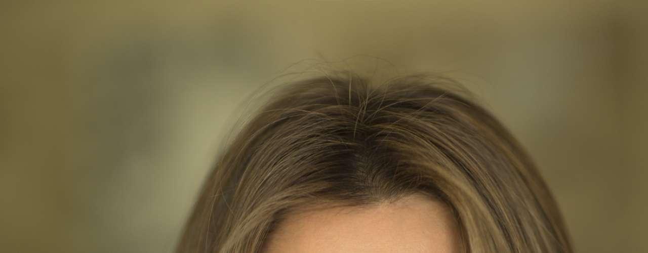 La Casa Real ha decidido renovar su imagen y ha colgado en su página web una serie de instantáneas en las que los Príncipes de Asturias y las infantas Sofía y Leonor muestran su lado más familiar y cercano. La autora de las imágenes es la fotógrafa Cristina García Rodero.