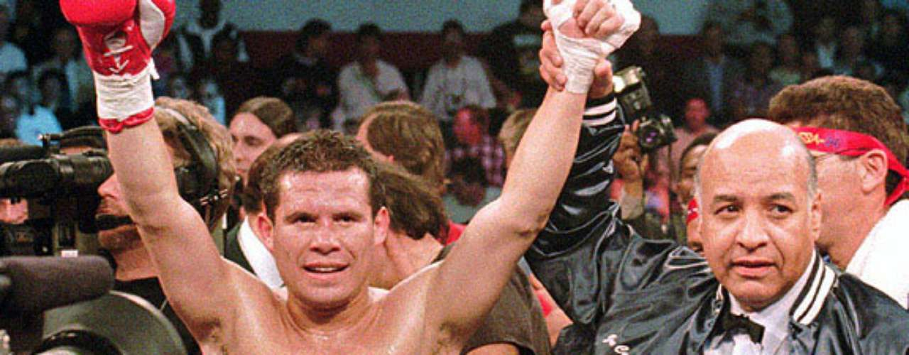 September 13, 1984: The Independence magic began for Julio Cesar Chavez as he won his first championship against Mario Martinez in the super featherweight division.