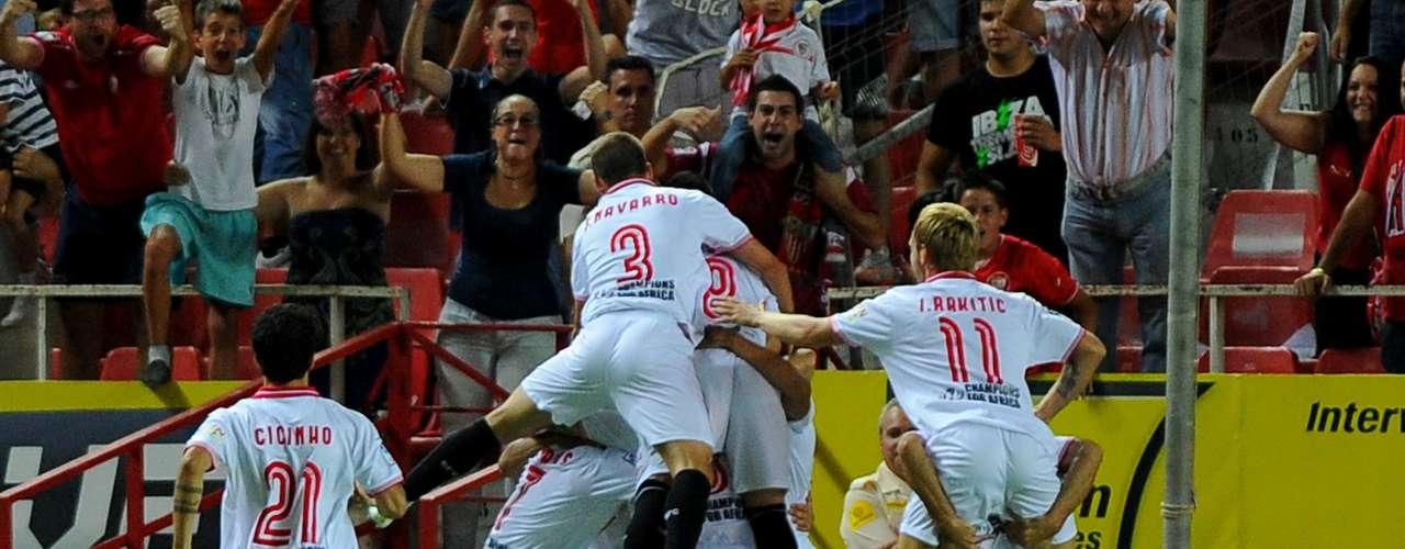 Trochowski fusiló a Casillas, a la salida de un córner llegando desde atrás.