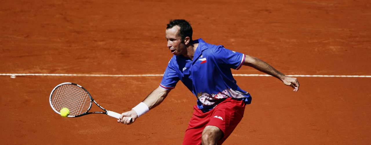 After winning the first set, Stepanek fell in the last three sets. REUTERS/Marcos Brindicci