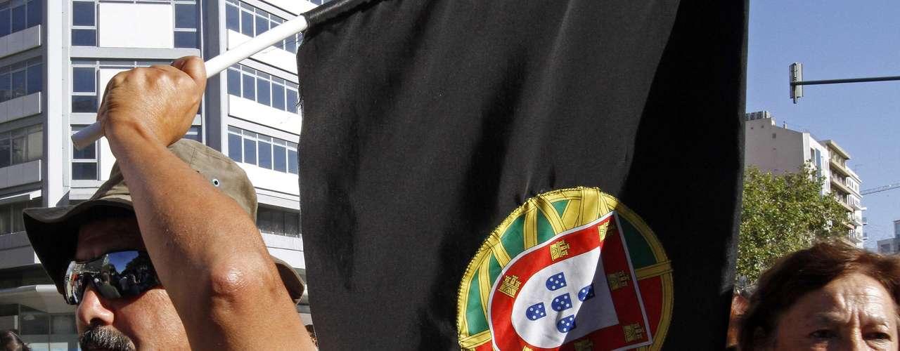 Sus principales promotores subrayaron en una rueda de prensa en Oporto que la iniciativa no tiene orientación política.