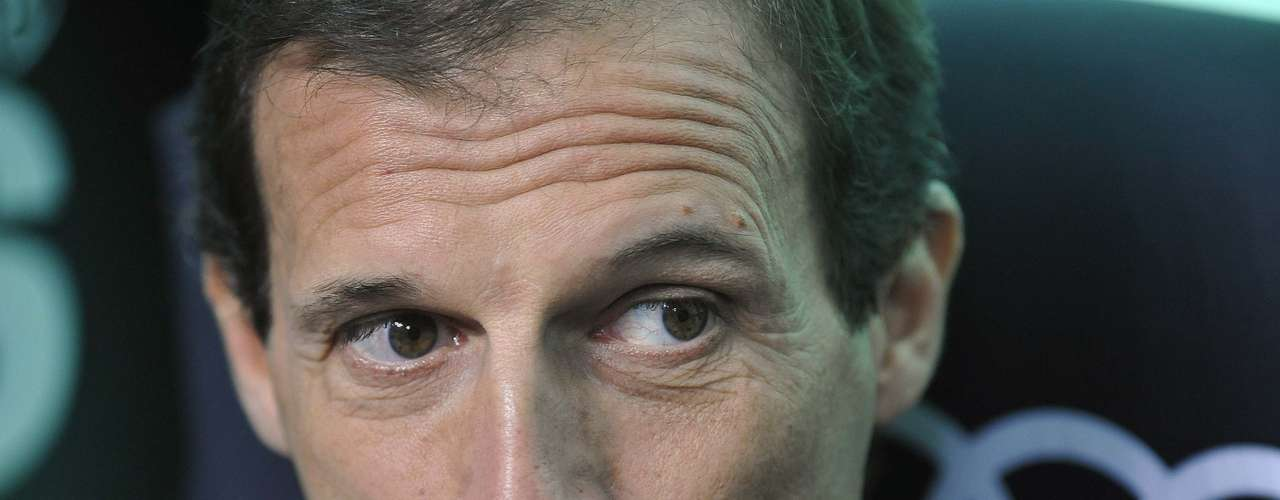 AC Milan's Massimiliano Allegri looks on. His tenure at the club is tenuous at best.  REUTERS/Giorgio Perottino