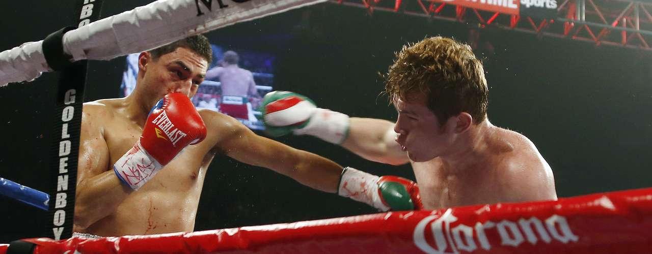 Álvarez fue más rápido y contundente que su rival.