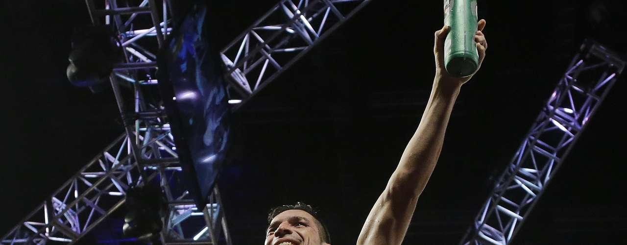 En cuarto lugar está el campeón de peso mediano Sergio Martínez, quien finalmente obtuvo el título mediano del CMB después de derrotar con facilidad al mexicano Julio Cesar Chavez Jr. el pasado 15 de septiembre.