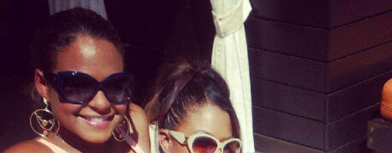 Christina Milian compartió atractiva imagen de su fiesta de alberca en Las Vegas.