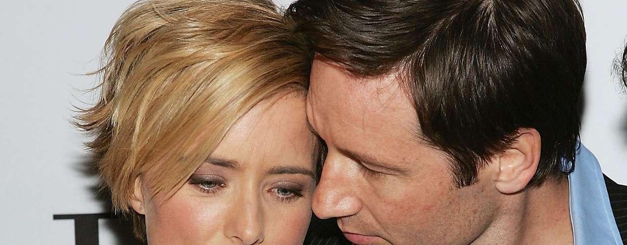 La actriz Tea Leoni le aguantó varios engaños a su marido David Duchovny, estrella de 'The X-Files', quien aseguró quer padecía una aguda adicción al sexo que lo llevó a buscar consuelo en otras mujeres.