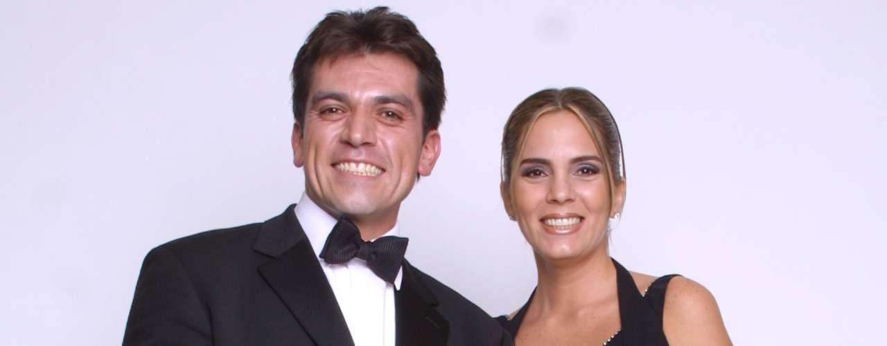 Jorge Salinas estuvo en el ojo del huracán cuando se reveló que había tenido una hija con la actriz Andrea Noli cuando aún estaba casado con Fátima Boggio. Año después, cuando la pareja decidió divorciarse, ella hizo todo un circo mediático y acusó al actor de ser un vicioso y de no pagarle la manutención de los hijos que tuvieron juntos.