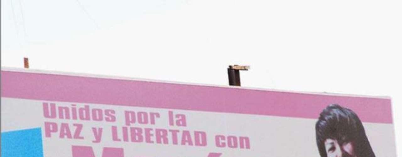 La candidata y creadora del Partido Democrático Unido por la Paz y la Libertad (PDUPL), María Bolívar, ha sido blanco de bromas después de que en su primera entrevista televisiva le pidiera una \