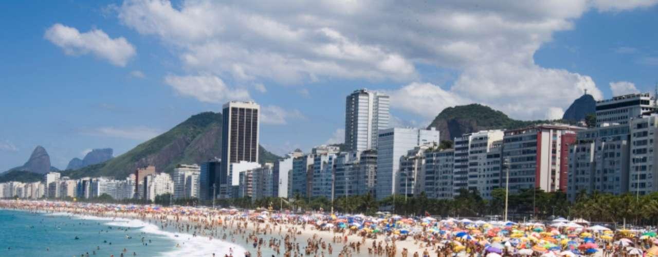 En Latinoamérica, el panorama es mixto. Por un lado está Ciudad de México, donde los asalariados reciben el menor número de días de vacaciones pagadas de todas las ciudades evaluadas -con una media de seis días al año-, mientras que en Río de Janeiro y Sao Paolo se tiene derechos a alrededor de 30 días.