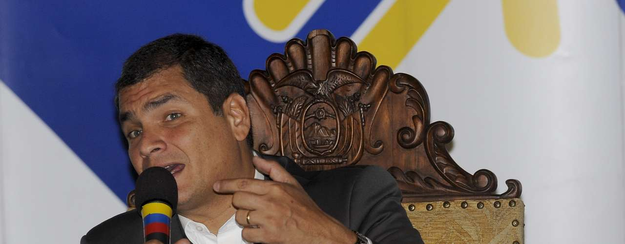 Ecuador: Para el gobierno de Rafael Correa una eventual salida de escena de Chávez tendría un peso político muy fuerte en su imagen de \