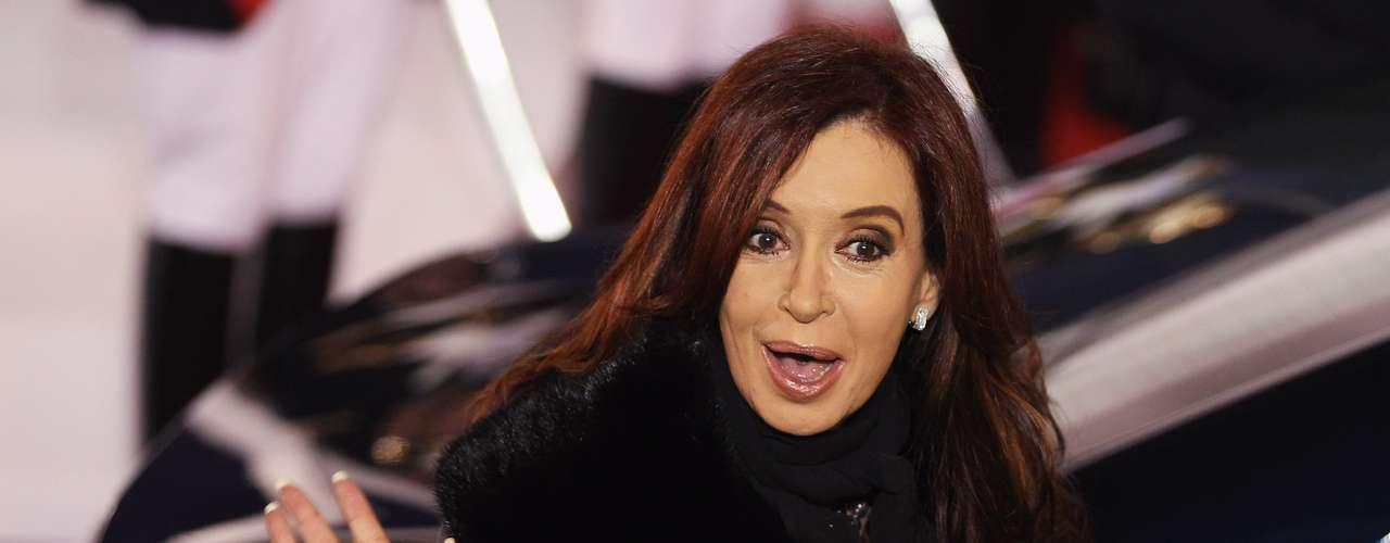 Argentina: Con creciente oposición en su país, Cristina Fernández se ubica en la primera línea de amigos de los postulados bolivarianos levantados por el partido de Chávez