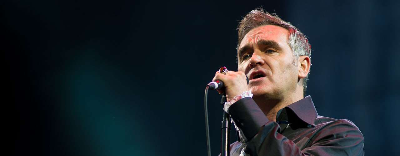 8.- Morrissey became the patron saint of daydreaming saddoes as the singer of The Smiths and continues woo with his wit and velvety voice as a solo artist.