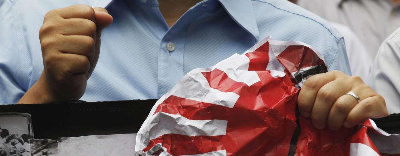 El secretario de Defensa estadounidense, Leon Panetta, de visita en China para promover el fortalecimiento de las relaciones militares chino-estadounidenses, llamó a la calma y a la moderación. Washington ha dicho que no va a tomar partido en la disputa, aunque es un fuerte aliado de Japón.