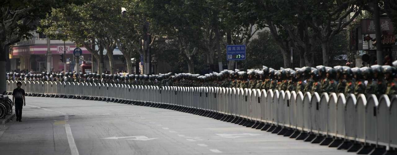 Un periódico de Hong Kong dijo que algunos manifestantes en el sur de Shenzhen fueron detenidos por expresarse a favor de la democracia y los derechos humanos.