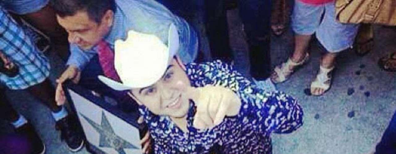 Gerardo Ortiz pasó a la historia al recibir la estrella número 60, en el emblemático Paseo de las Estrellas de Las Vegas.