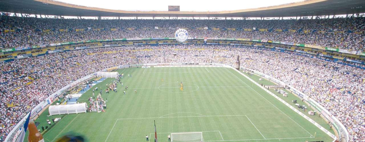 ESTADIO JALISCO: Inaugurated on January 31, 1960 in a game between Atlas and San Lorenzo. It holds 56, 713 spectators and has been home to Atlas, Oro, Tapatio, Tecos, Leones Negros and Chivas (which moved to Omnilife in 2010).