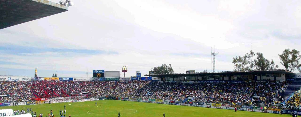 SERGIO LEON CHAVES: Inaugurated on October 27, 1968 in a friendly between Irapuato and the Spanish national team. It holds 27,500 spectators.