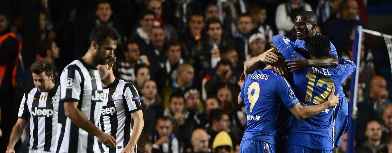 Un Chelsea voluntarioso pero impreciso vio como la Juventus empataba este miércoles su debut de Liga de Campeones 2 a 2.