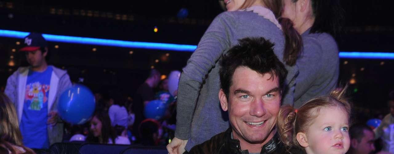En enero del 2009, los actores Rebecca Romijn y Jerry O'Connell se convirtieron en padres de gemelas, a las que llamaron Dolly Rebecca Rose y Charlie Tamara Tulip