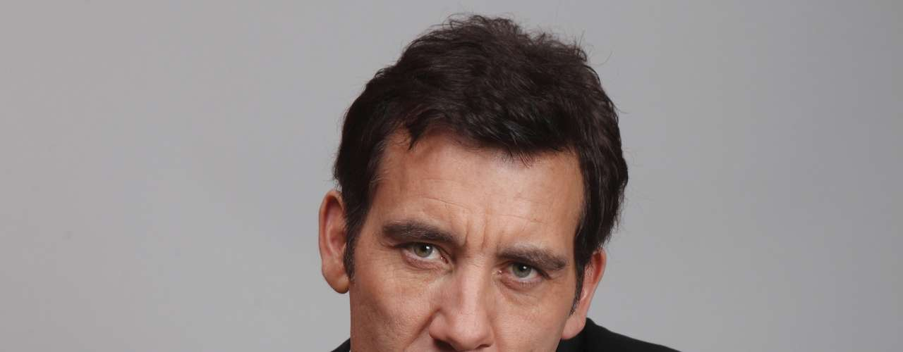 Clive Owen returns triumphant this awards season as a nominee in the 'Outstanding Lead Actor in a Miniseries or Movie' category for his character on 'Hemingway & Gellhorn.'