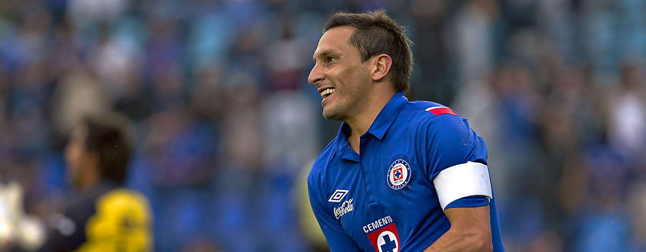 Christian Gimenez is recovering from an injury in training prior to the Tigres match. He is expected to help Cruz Azul recover from its bad streak in the league.