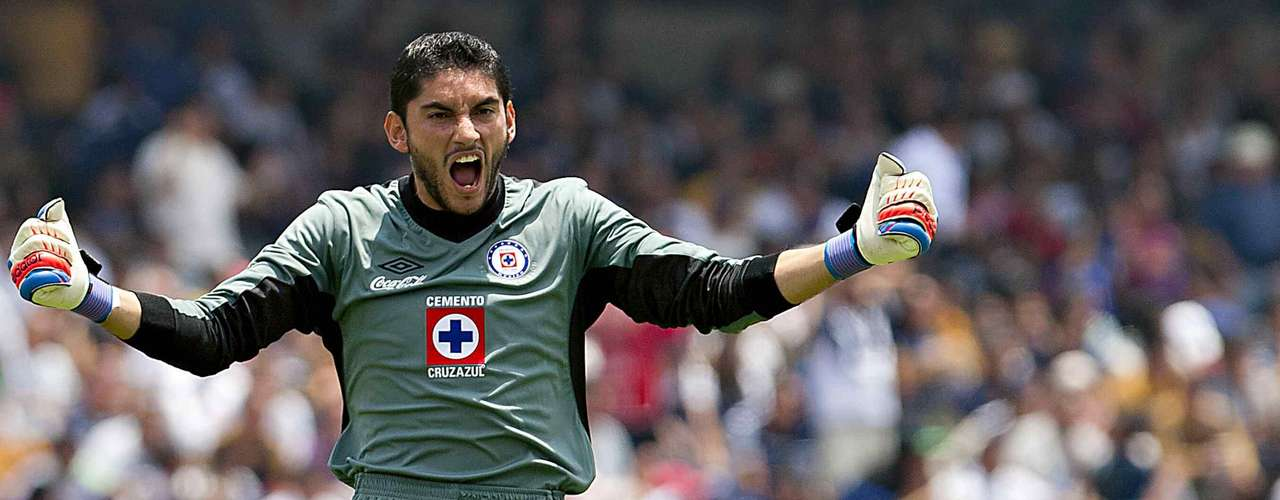 Jesus Corona is considered the best goalkeeper in Mexico, becoming one of the emotional leader son the Olympic teams. He is given the responsibility of defending the Cruz Azul goal.