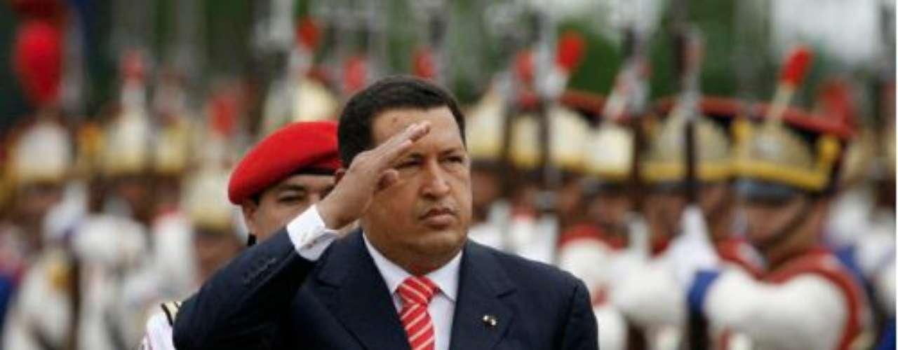 En las elecciones presidenciales del 3 de diciembre de 2006, gracias a ocho millones de votos, Chávez fue reelegido como presidente de la República Bolivariana de Venezuela.