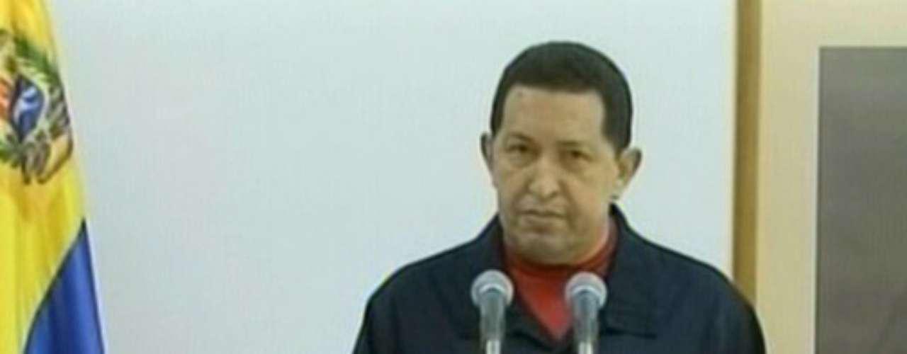 En junio de 2011 Chávez da a conocer al mundo desde Cuba que padece de cáncer.