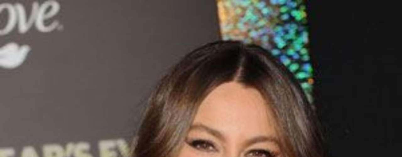 Su papel de Gloria Delgado también le ha traído dos nominaciones a los Golden Globe, cinco a los Screen Actors Guild  y una a los Premios Satellite.
