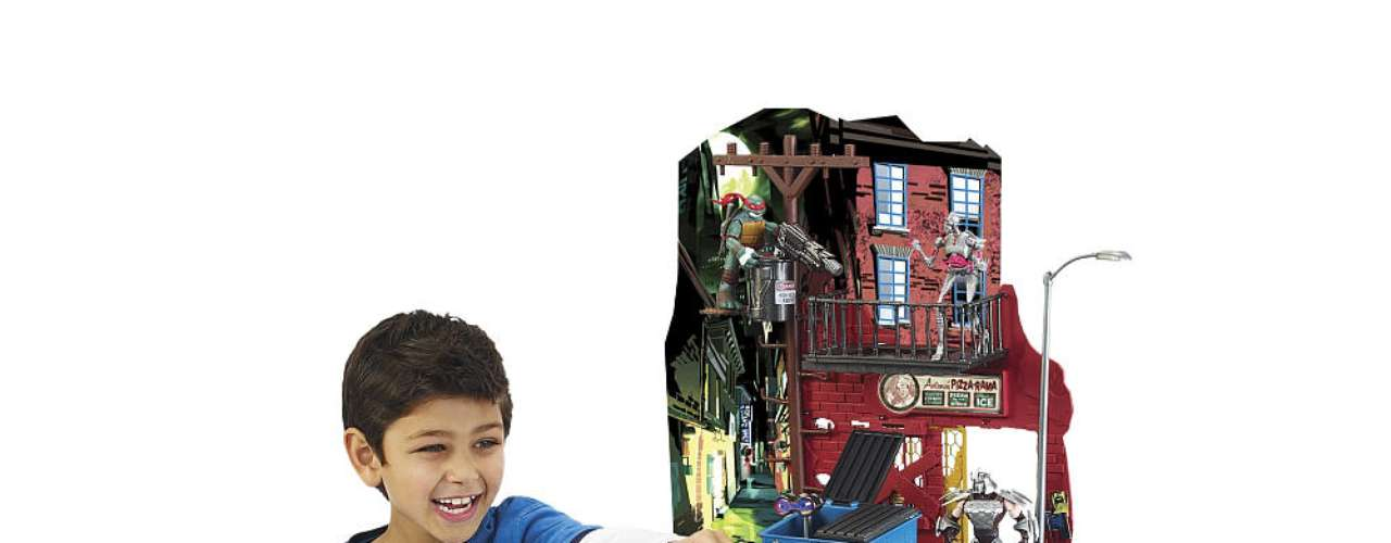 Nickelodeon® Teenage Mutant Ninja Turtles Secret Sewer Lair Playset from Playmates - 120 dólares.  Un juego ideal para niños de 4 a 6 años.