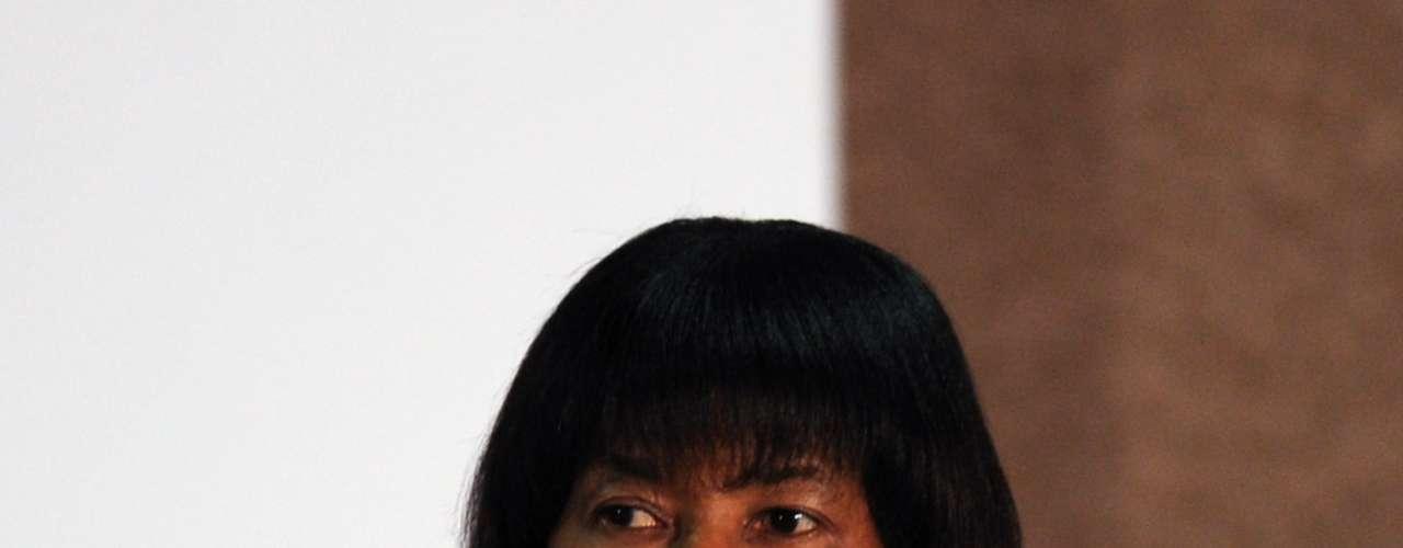 Sin embargo, en diciembre del 2011, la primera ministra de Jamaica, Portia Simpson-Miller, manifestó que el gobierno debería proteger a las personas contra la discriminación sobre la base de su orientación sexual, y que había que revisar las leyes que penalizan los actos sexuales entre gays. Varios activistas que defienden los derechos de los gays han huido del país tras recibir amenazas. Otros, han sido asesinados. Se estima que desde 1997 se han registrado unos 80 homicidios de personas homosexuales en Jamaica.