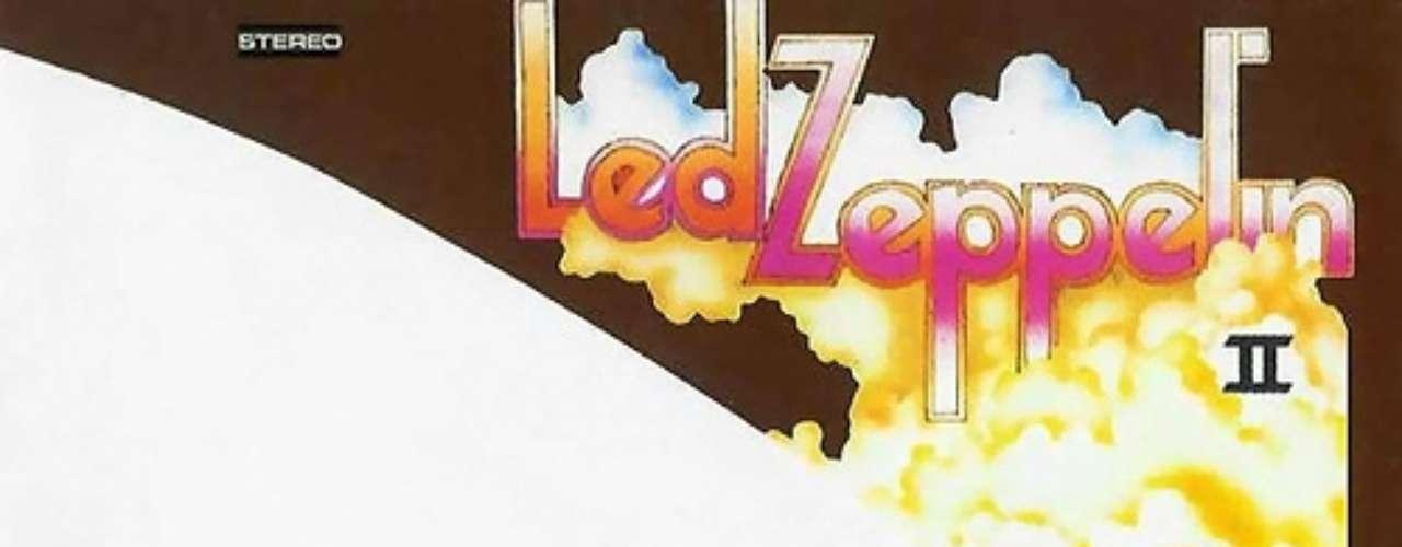 9. Led Zeppelin - 'Led Zeppelin II'. Segundo álbum de estudio de la banda británica de hard rock, lanzado en octubre de 1969 por la discográfica Atlantic Records. Un disco en el que el grupo empieza a sonar como una unidad y desarrollar un estilo propio. El blues rock del primer disco se mantiene, pero esta vez con matices más duros. La canción principal 'Whole Lotta Love' se convirtió rápidamente en su canción insignia, mientras que 'Ramble On' y 'Heartbreaker' se encuentran entre los mejores trabajos de su carrera.