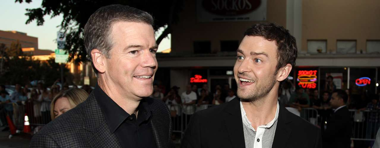 Justin Timberlake looks extremely happy to see director Robert Lorenz.