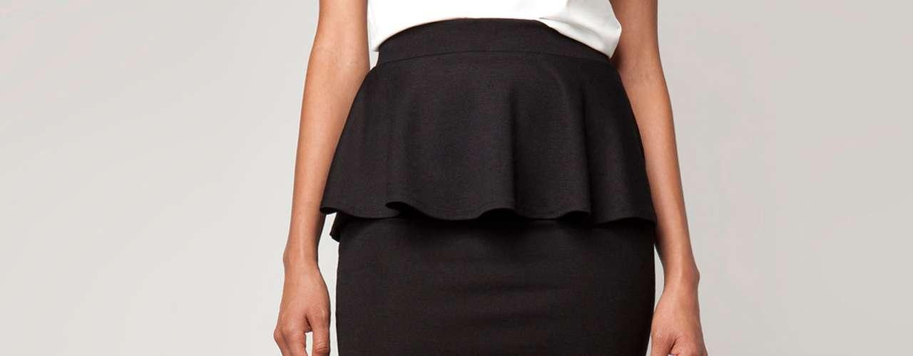 Las faldas con péplum. Son las más usadas para esta temporada porque le agregan a cualquier look un toque de sofisticación. Son ideales para acentuar tu cintura.