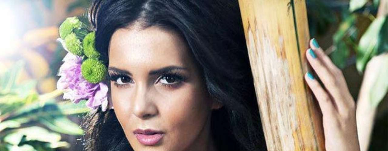 Miss Finlandia - Sara Yasmina Chafak. Procedente de Helisinki nació el 25 de octubre de 1990. Es modelo profesional.  Mide 1.72 metros de estatura. Su cabello es negro y sus ojos cafés.