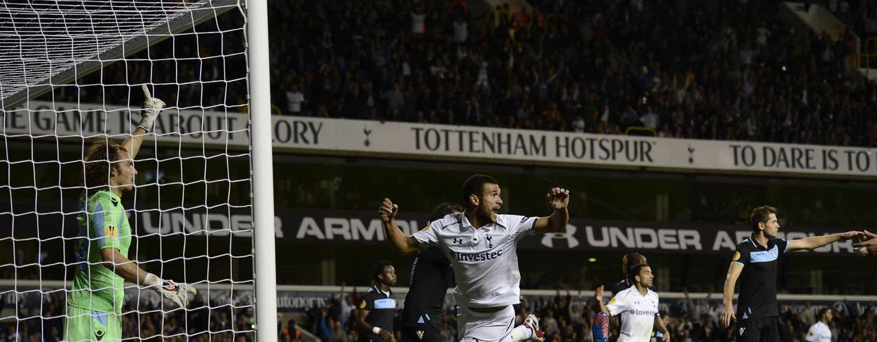 Tottenham Hotspur's Steven Caulker (C) reacts as his goal is disallowed