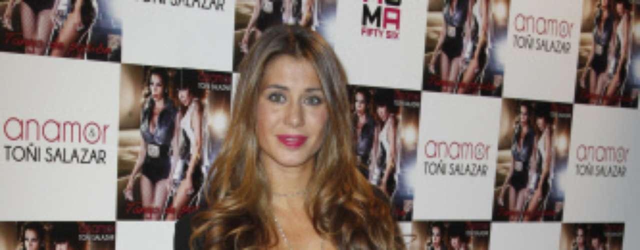 Elena Tablada no quiso hablar de David Bisbal, quien esa misma noche estrenaba con enorme éxito 'La Voz', el último programa de Telecinoc.