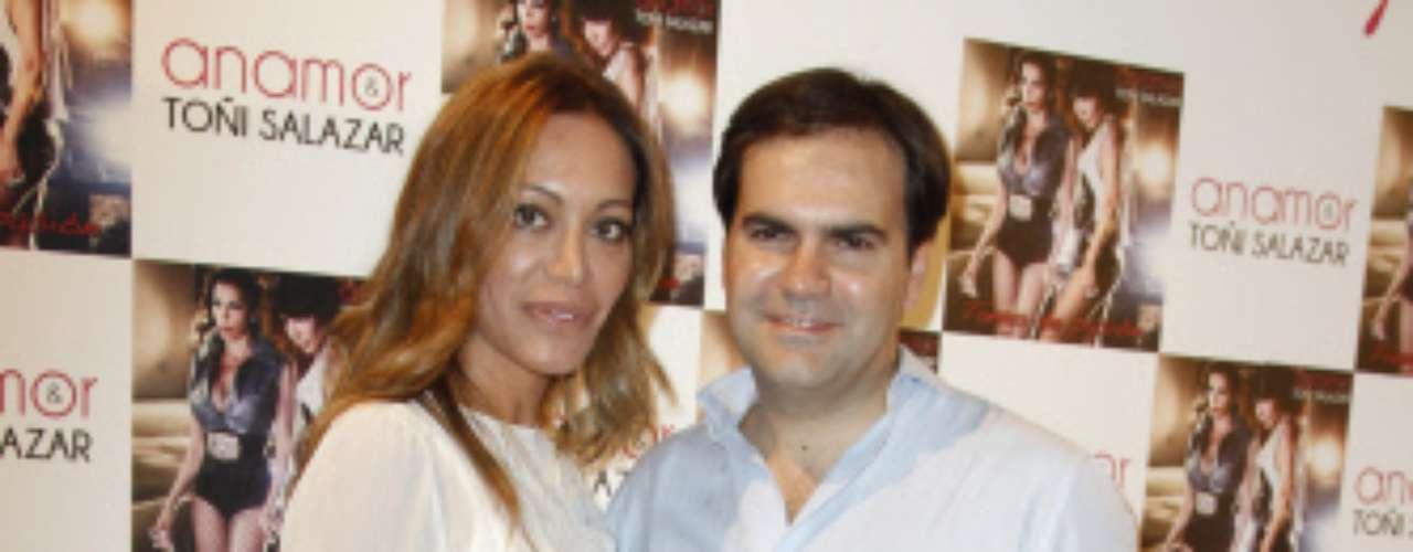 Viviendo todavía su particular luna de miel se encuentran Gema Ruiz y Juan Díaz, que se dieron el sí quiero este pasado mes de julio en Segovia.
