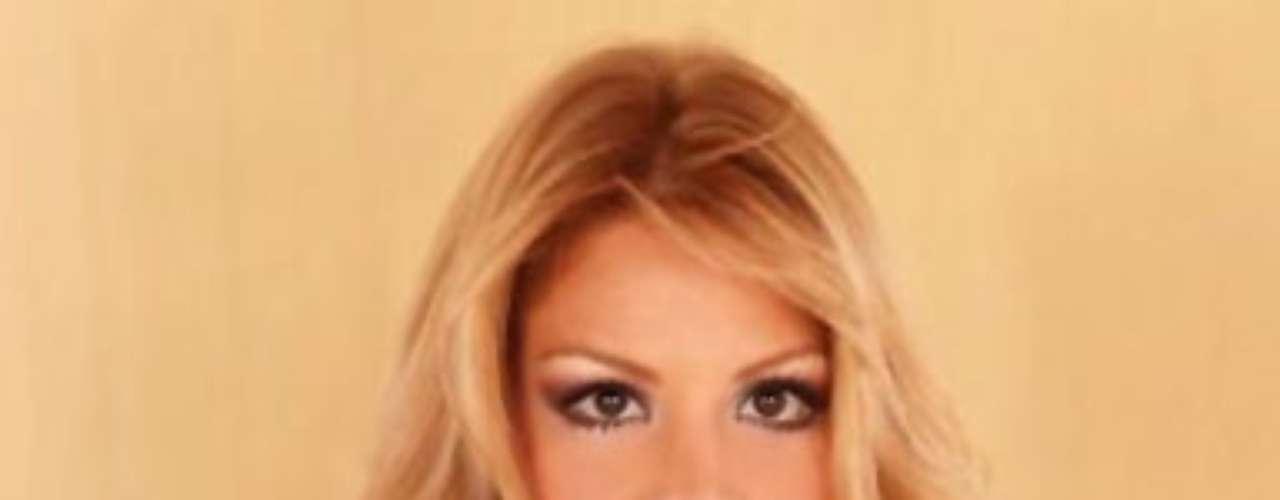 Miss Paraguay - Egni Eckert. Nació en Asunción el 6 de octubre de 1987. Es una modelo profesional que mide 1.82 metros de estatura. Su cabello es rubio y sus ojos color café.