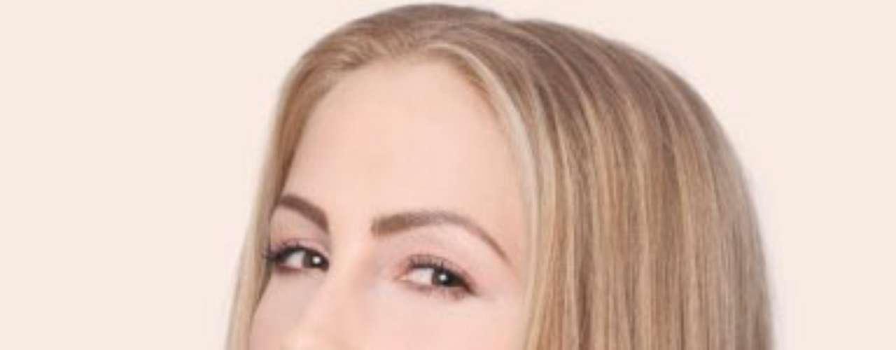 Miss República Eslovaca - Lubica Stepanová.  Nació en Prievidza en el año de 1987. Es una modelo que mide 1.75 de estatura. Es rubia y sus ojos son color café.