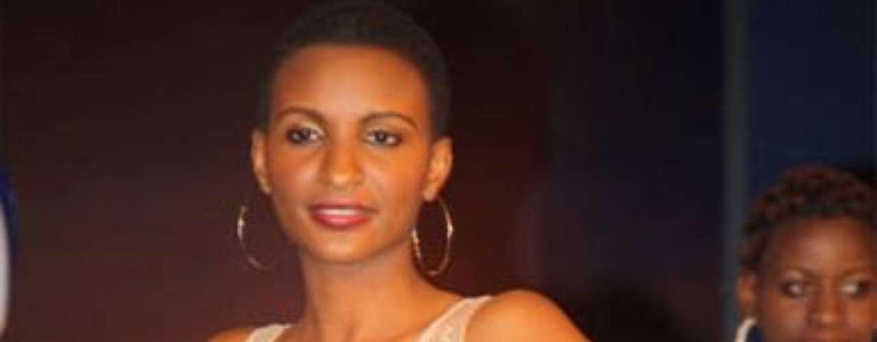 Miss Tanzania - Winfrida Dominic. Nació en Dar-es-Salaam en el año de 1993. Es modelo profesional y mide 1.84 metros de estartura. Su cabello es negro y sus ojos marrones.
