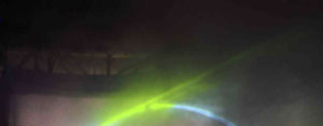 La silueta de Pacquiao, al momento de salir al escenario. Esto fue deleite para los aficionados que no dejaban de tomar fotos.
